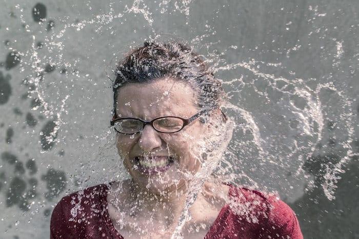 samouszkodzenia ekstremalne emocje zimna woda